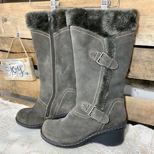 🎈NEW LISTING! Gray Bare Traps Fuzzy Winter Boots